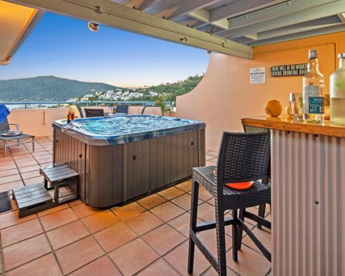 Queensland-Airlie-Beach-2-Bedroom-With-Rooftop-Jacuzzi-Apartment (26)
